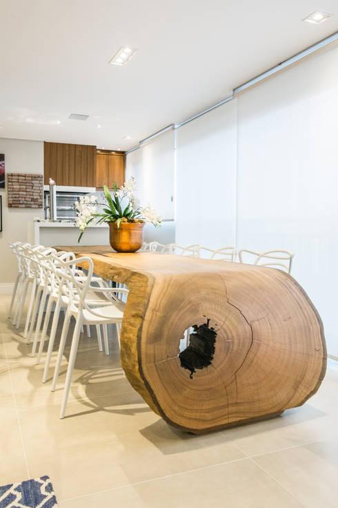 Comedor de estilo  por ArboREAL Móveis