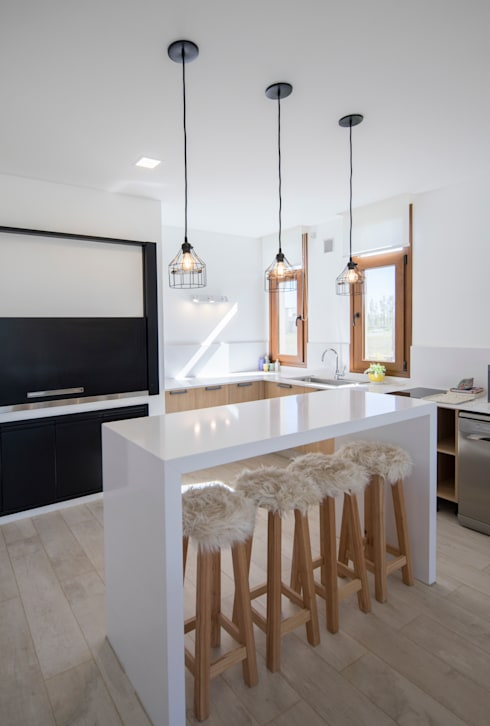 Cocinas pequeñas de estilo  por olot design