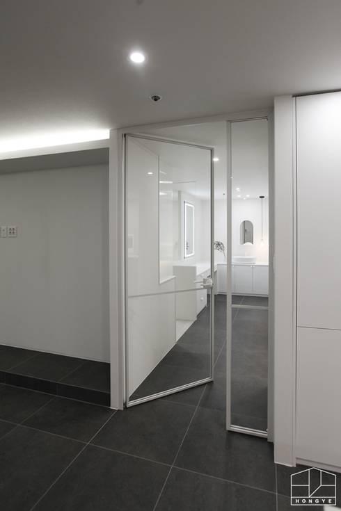 Doors by 홍예디자인
