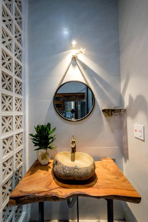 PH - House:  Phòng tắm by Mét Vuông