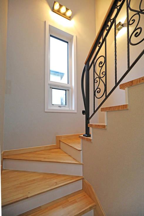 Cầu thang by 하우스톡