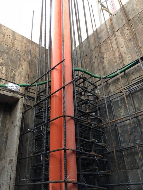 4F柱牆水電配管:   by 讚基營造有限公司