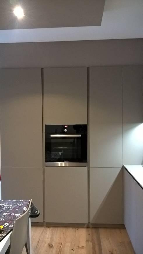 Dettaglio cucina - forno: Cucina in stile  di G&S INTERIOR DESIGN