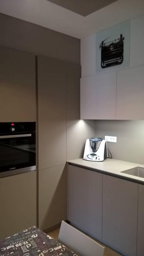 Dettaglio cucina - lavabo: Cucina in stile  di G&S INTERIOR DESIGN