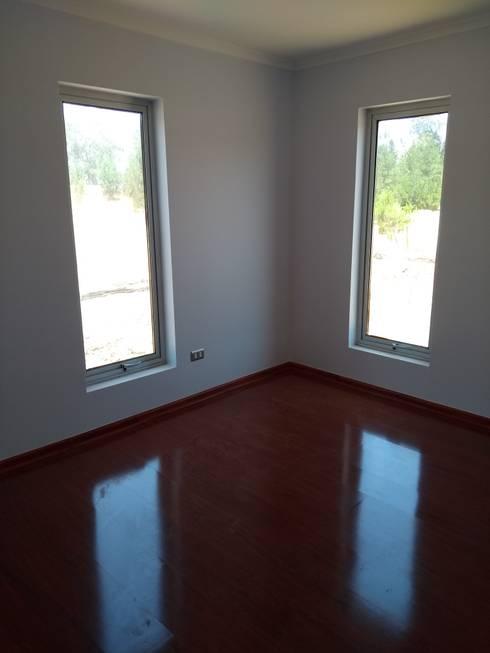 Casa pasiva en Catapilco en Super Aislación en poliestireno de alta densidad (20-30 kg/m3): Dormitorios de estilo  por Casas Green Planet