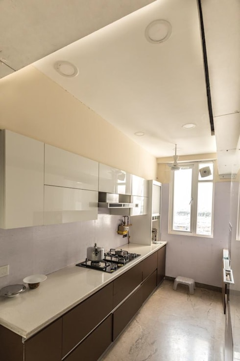 Kitchen - Residence at The Belaire, Golf Course Road:  Kitchen by The Workroom