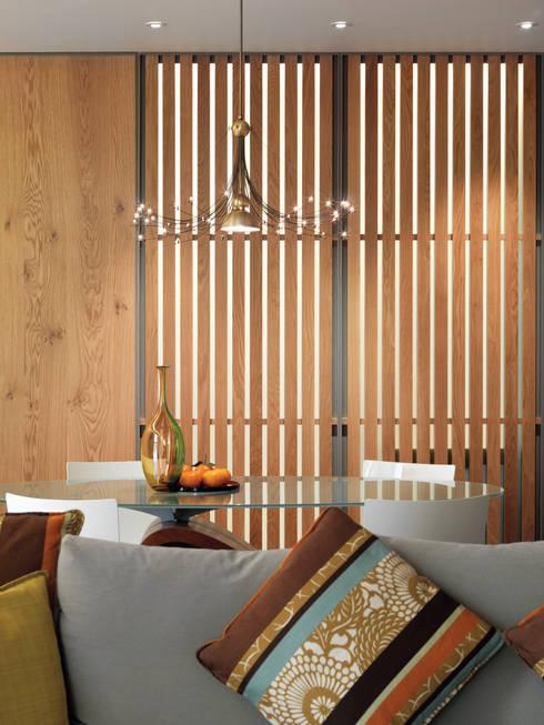 張宅 Chang Residence:  客廳 by  何侯設計   Ho + Hou Studio Architects