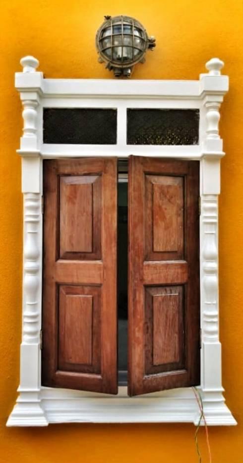 Rima and Devaiah's Residence :  Windows by Sandarbh Design Studio