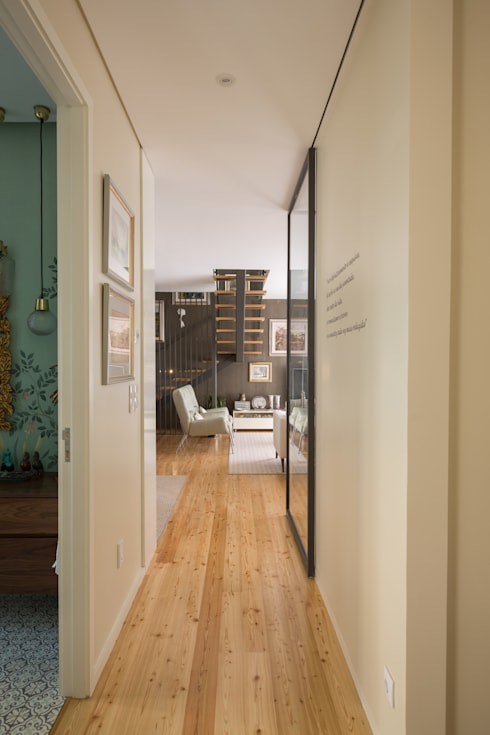 Pasillos y hall de entrada de estilo  por SHI Studio, Sheila Moura Azevedo Interior Design