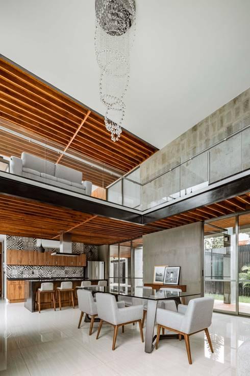 مطبخ ذو قطع مدمجة تنفيذ Apaloosa Estudio de Arquitectura y Diseño