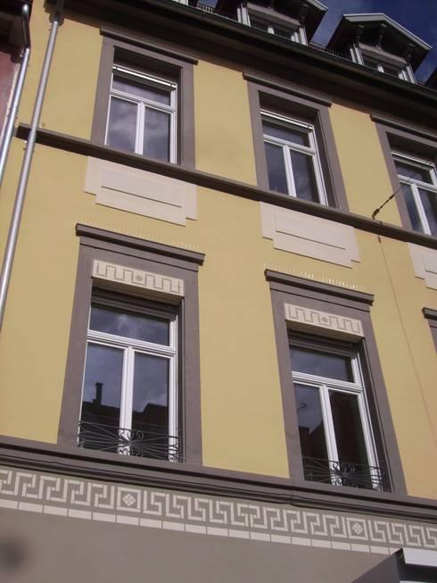 Fassadendetail:  Mehrfamilienhaus von Schnitzer Plank Architekten