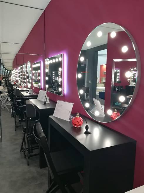 Unica al Cosmoprof di Bologna: Allestimenti fieristici in stile  di Unica by Cantoni