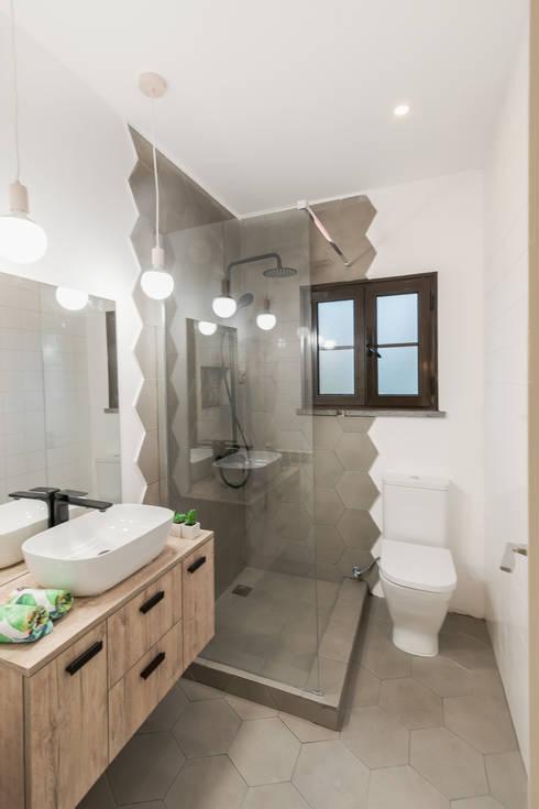 A Casa do Campo: Casas de banho  por Rima Design