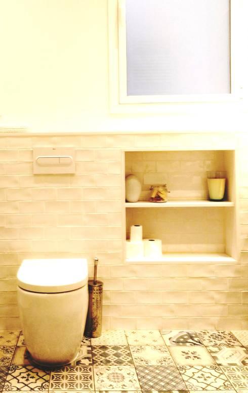 Aseo - zona yin: Baños de estilo  de Arpa'Studio Arquitectura y Feng Shui