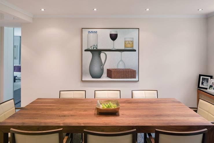 Villa Berlin Grunewald:  Esszimmer von BERLINRODEO interior concepts GmbH
