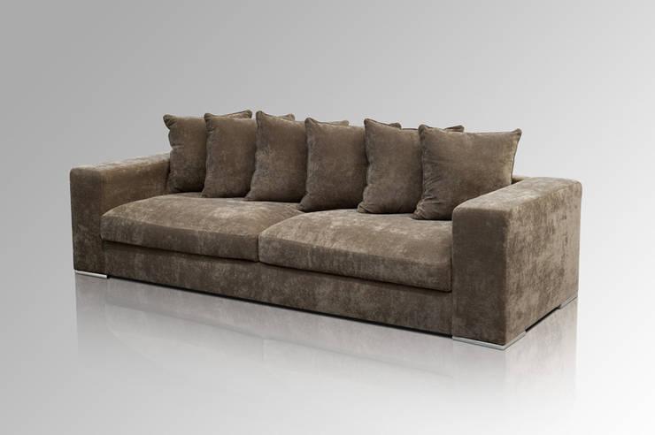 Sofa 4-SITZER BRAUN:  Wohnzimmer von Amaris Elements