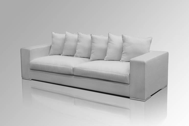 Sofa 4-SITZER GRAU:  Wohnzimmer von Amaris Elements