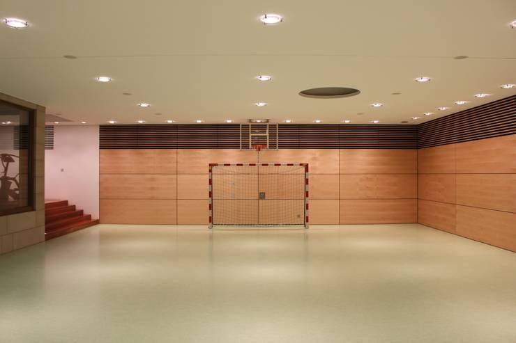 Fussballtor :  Fitnessraum von Architekten Graf + Graf