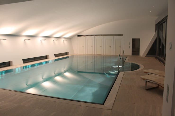 Pool: moderner Pool von Architekten Graf + Graf