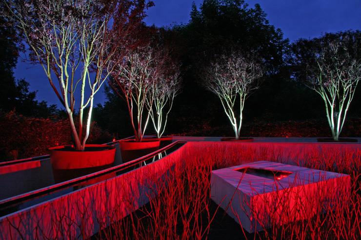 Jardines de estilo ecléctico de Planungsbüro STEFAN LAPORT