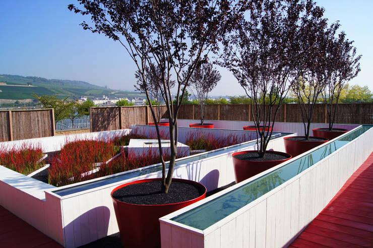 Jardins surprise:  Garten von Planungsbüro STEFAN LAPORT