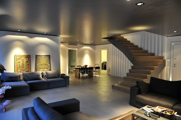 غرفة المعيشة تنفيذ Fugenlose  mineralische Böden und Wände