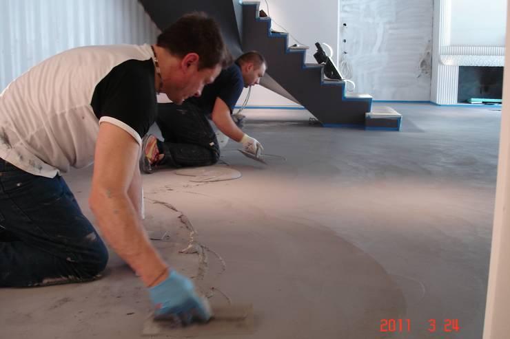 جدران وأرضيات تنفيذ Fugenlose  mineralische Böden und Wände