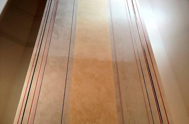 Altarrückwand:  Häuser von Wandmalerei & Oberflächenveredelungen