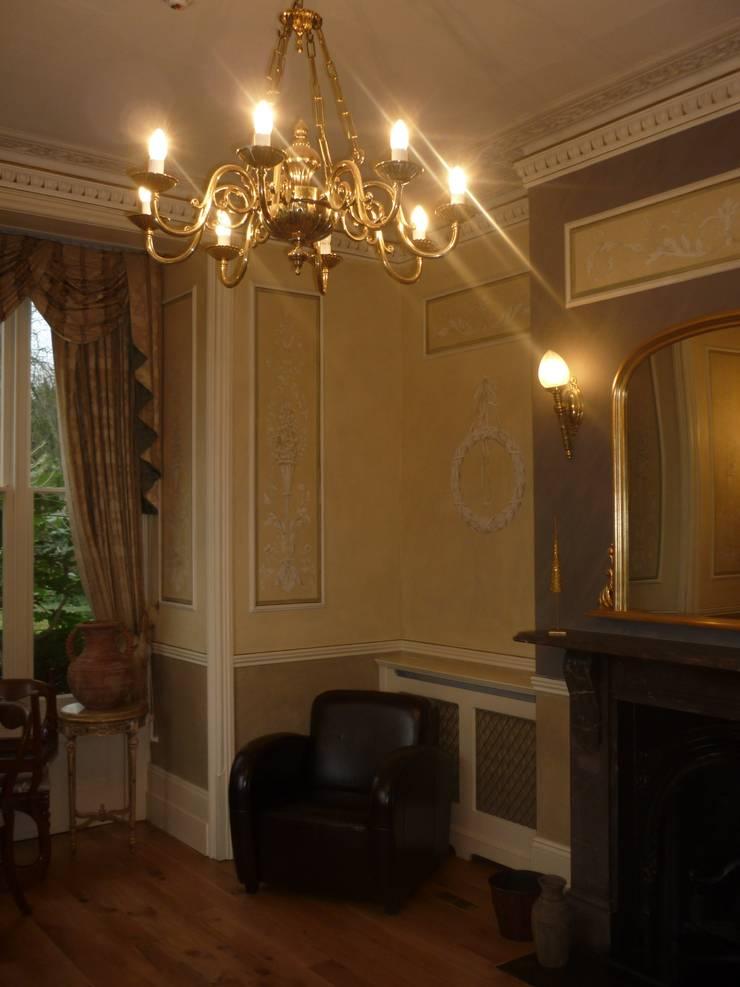 Classic style study/office by Wandmalerei & Oberflächenveredelungen Classic