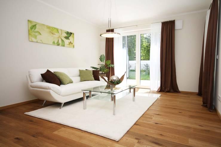 Eigentumswohnung:  Wohnzimmer von Home Staging Cornelia Reichel