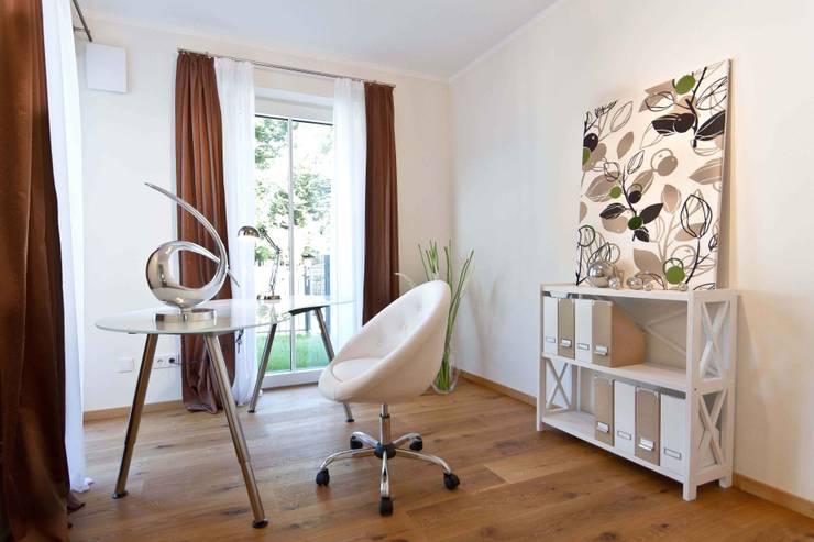 Eigentumswohnung:  Arbeitszimmer von Home Staging Cornelia Reichel