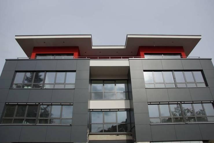 Exklusives Büro- und Geschäftshaus:  Bürogebäude von Mechelk Bedachungstechnik GmbH