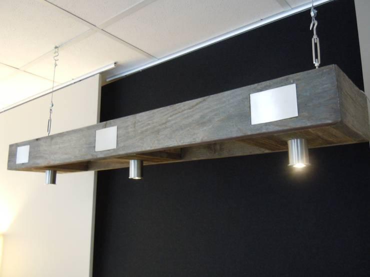 Pendelleuchte mit LED-Spots:   von Chiemseedesign-living gallery