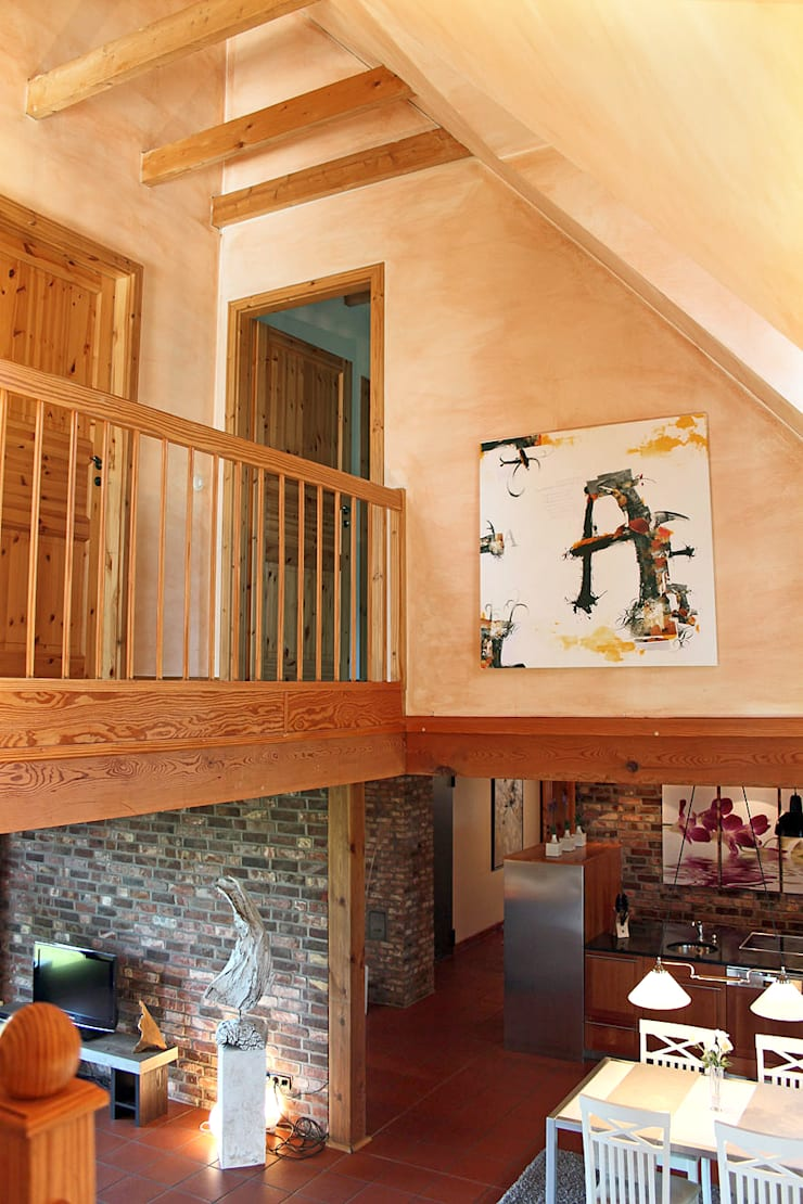 Corredores e halls de entrada  por wohnhelden Home Staging