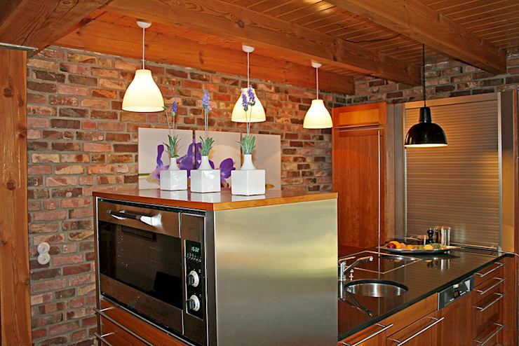 Cozinhas campestres por wohnhelden Home Staging