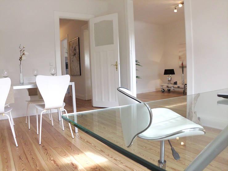Studio in stile  di wohnhelden Home Staging