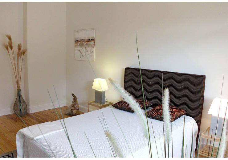 Camera da letto in stile  di wohnhelden Home Staging