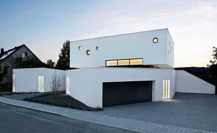 Casas de estilo  de [lu:p] Architektur GmbH