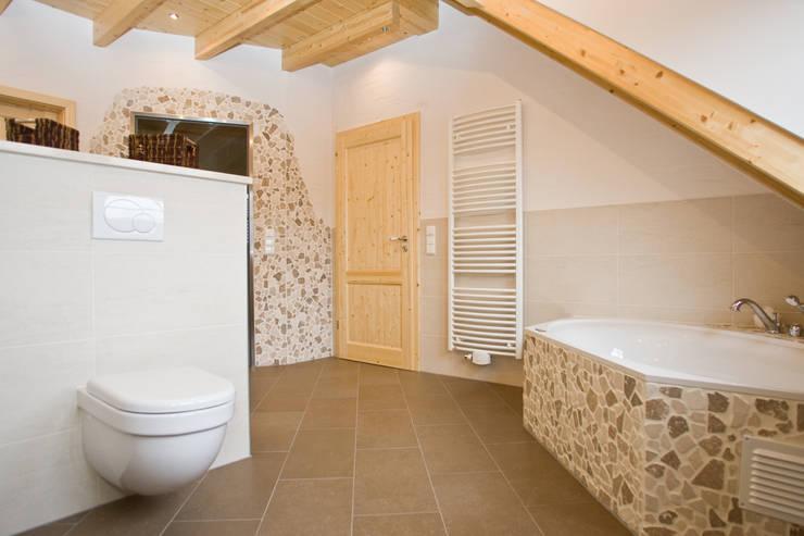 Luxus-Bad:  Badezimmer von Fliesen Hiersemann