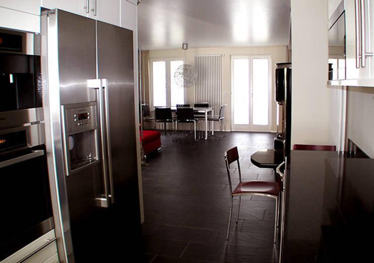 Einfamilienhaus Wendisch Rietz: ausgefallene Esszimmer von RAUMAX GmbH