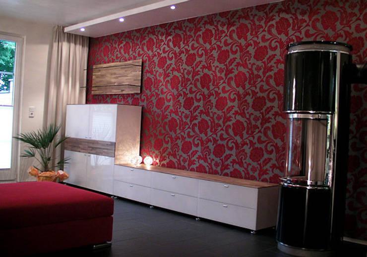 Einfamilienhaus Wendisch Rietz: asiatische Wohnzimmer von RAUMAX GmbH