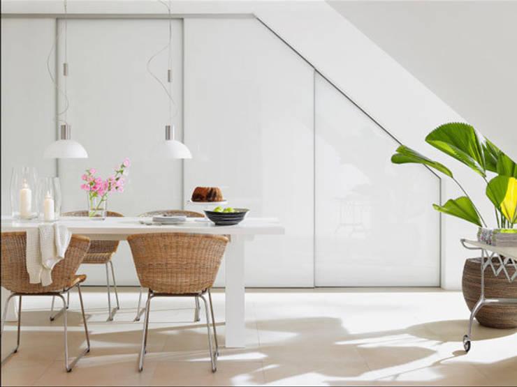 mediterranean Dining room by RAUMAX GmbH