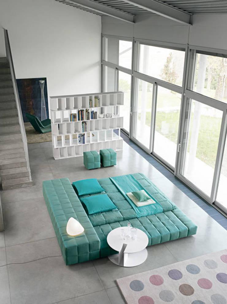 Loft: ausgefallene Wohnzimmer von RAUMAX GmbH