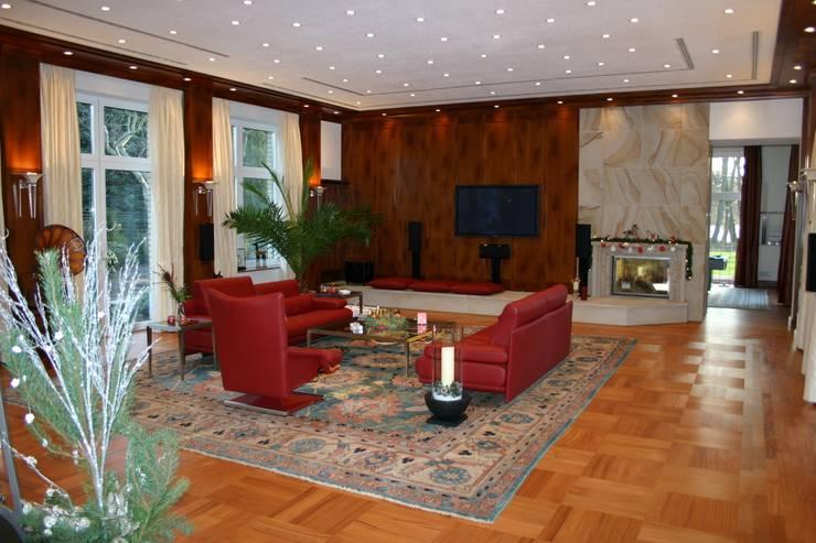 Klassische Möbel:  Wohnzimmer von Wagner Möbel Manufaktur