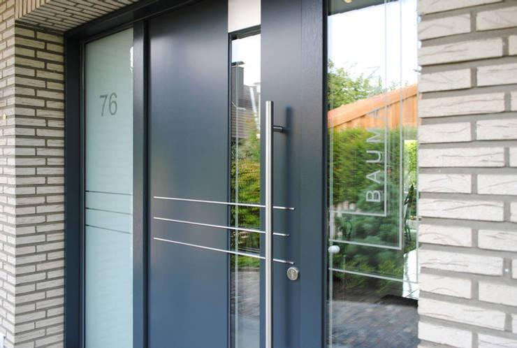 Окна и двери в . Автор – Strotmann Innenausbau GmbH