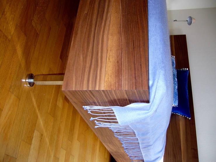 MIt dem Computer geplant- in der Werkstatt gebaut und realisiert:  Schlafzimmer von Einrichtungshaus & Innenarchitektur Jablonski GmbH