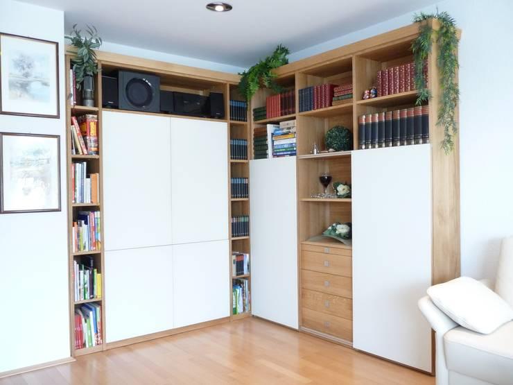Wohnschrank nach Kundenwunsch:   von Einrichtungshaus & Innenarchitektur Jablonski GmbH
