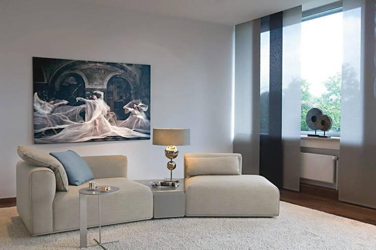 Paredes y pisos de estilo  por Peer Steinbach - Raumaustattermeister mit Stil