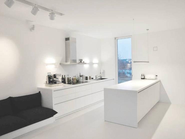 Küche: moderne Küche von Sieckmann Walther Architekten