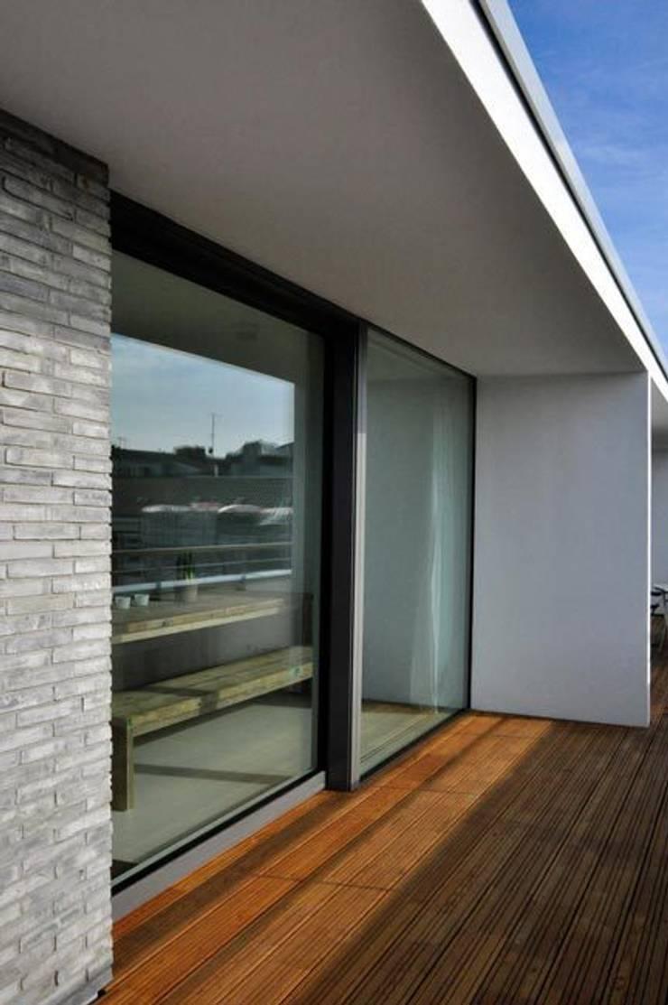 Terrasse:  Terrasse von Sieckmann Walther Architekten